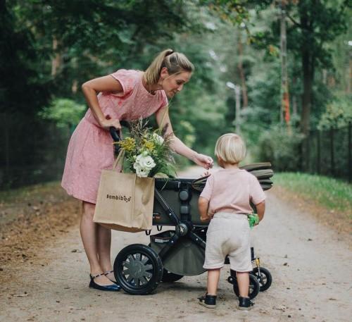 Blog Bambiboo - Pierwszy spacer z noworodkiem – kiedy, ile powinien trwać, jak ubrać dziecko?